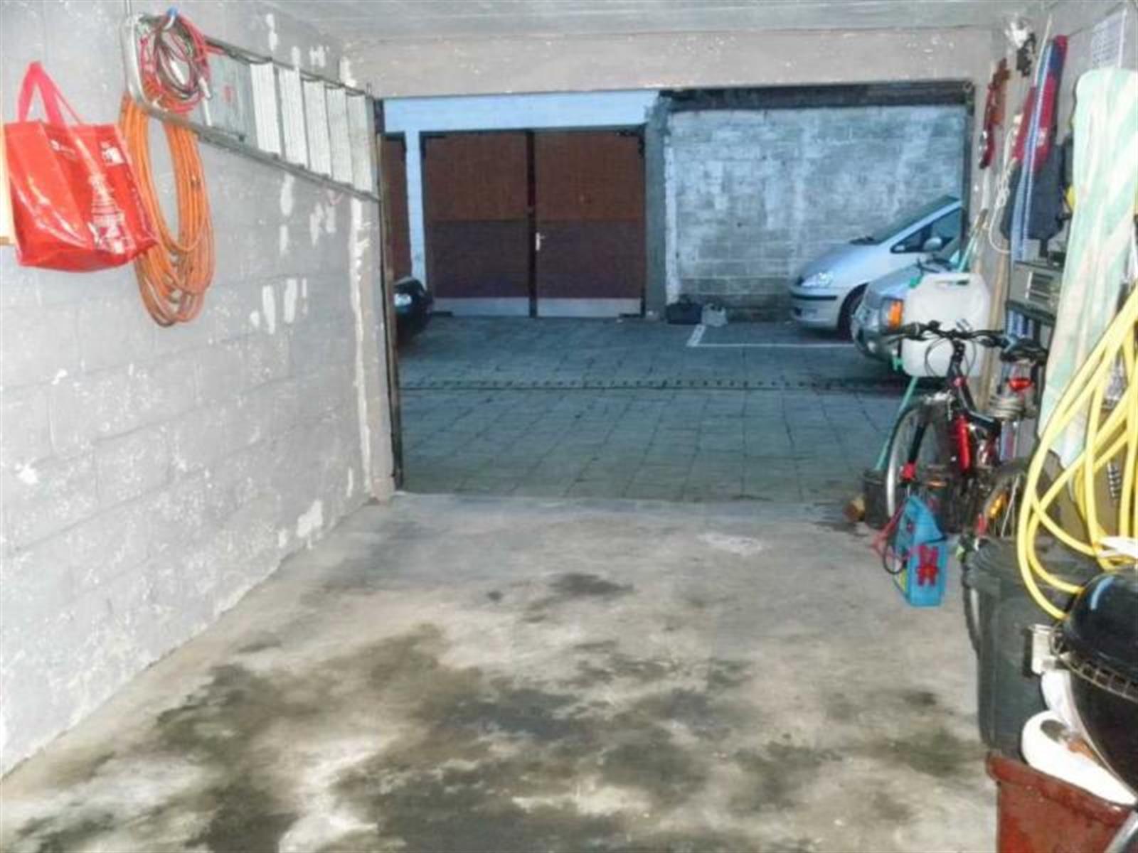 Garage (ferme) - Anderlecht - #3891510-3